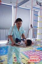 儿童ManBetX客户端iOS训练ManBetXapp下载怎样对小儿脑瘫肢体训练